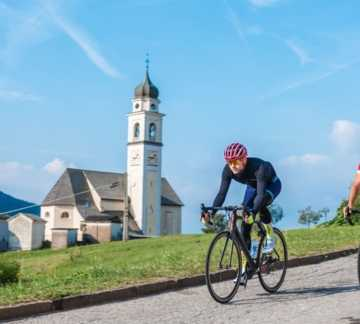 https://www.aptpinecembra.it/web/var/pinecembra/storage/images/_aliases/theme_holiday_small_image/6/0/0/5/345006-3-ita-IT/ciclismo.JPG - RP1